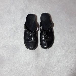 Clarks black sandals 7M